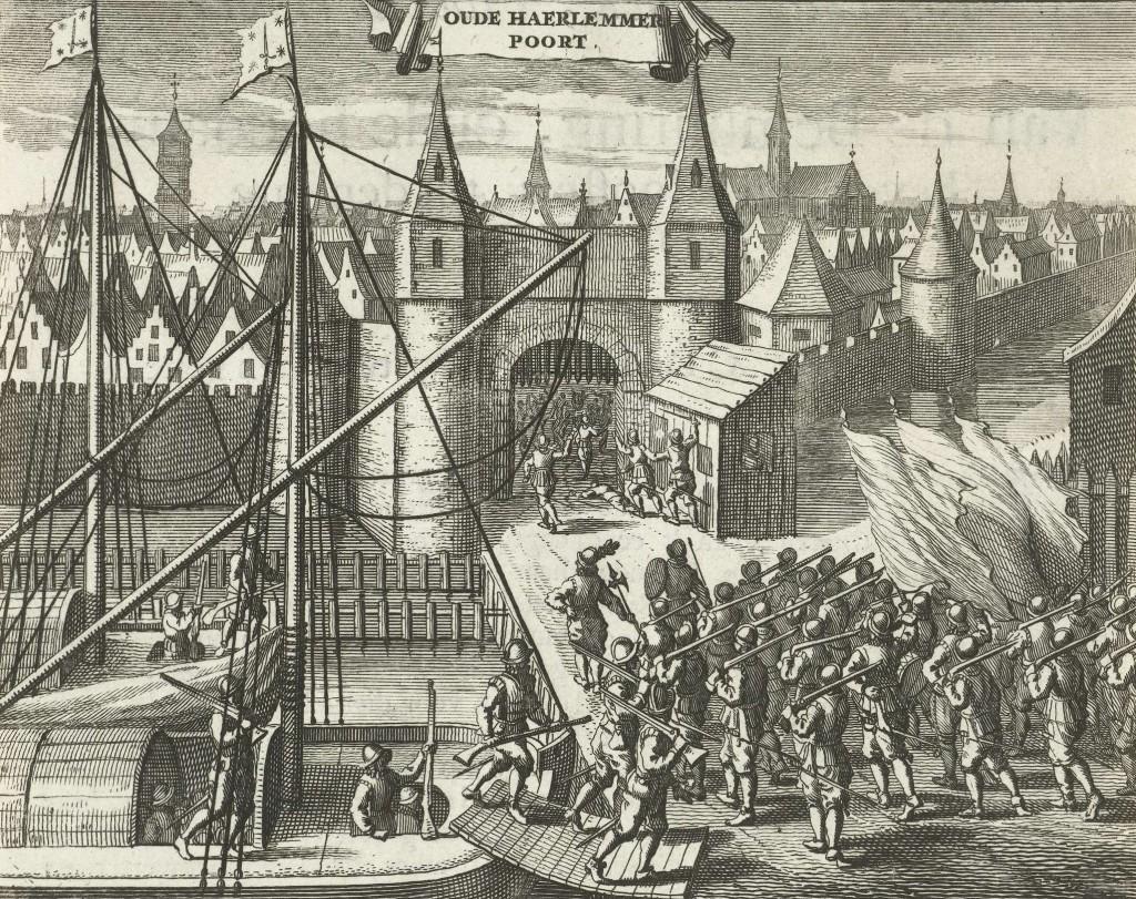 Een aanval van de geuzen bij de Haarlemmerpoorteen paar jaar later (1577). Uit een boot komen soldaten met een haakbus (geweer) in een poging de stad in te nemen.
