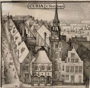 Het oude stadhuis. Aan de linkerkant loopt de Gasthuissteeg, aan de rechterzijde de inmiddels verdwenen Vogelsteeg.